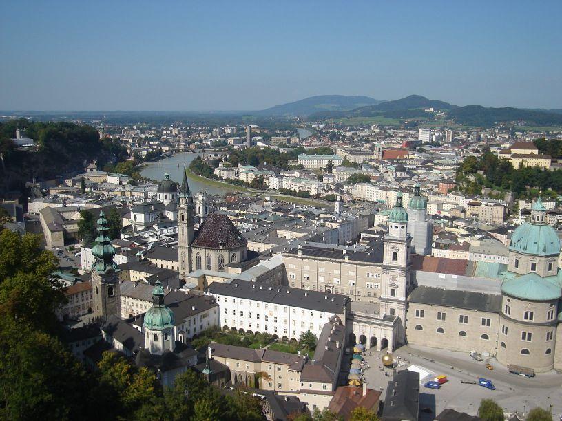 pogled na grad sa utvrde