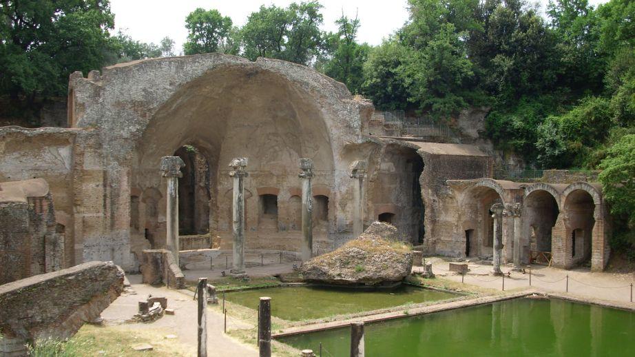 Hadrijanova vila- Serapeum (umjetna špilja)