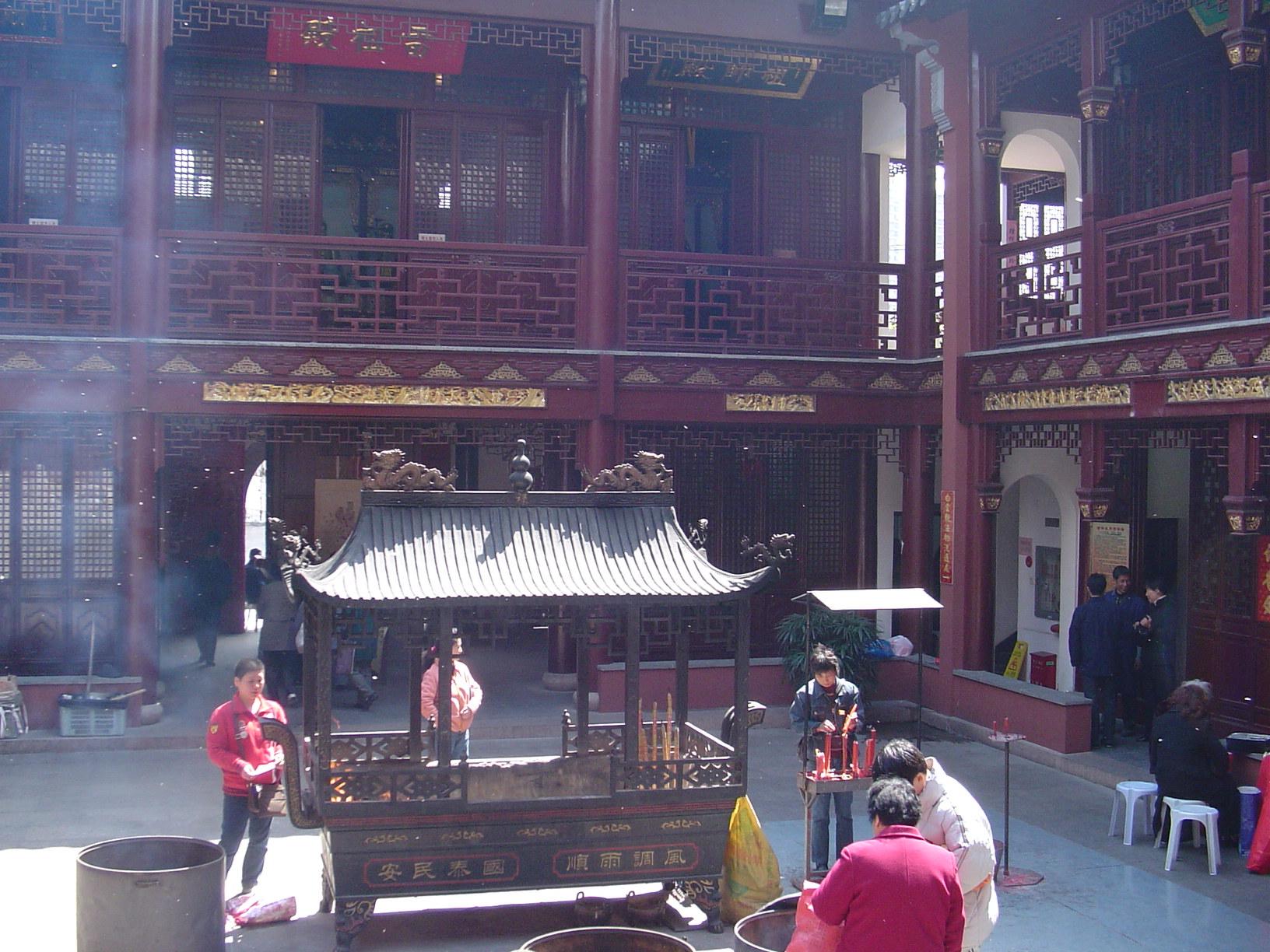 Jedan od brojnih hramova