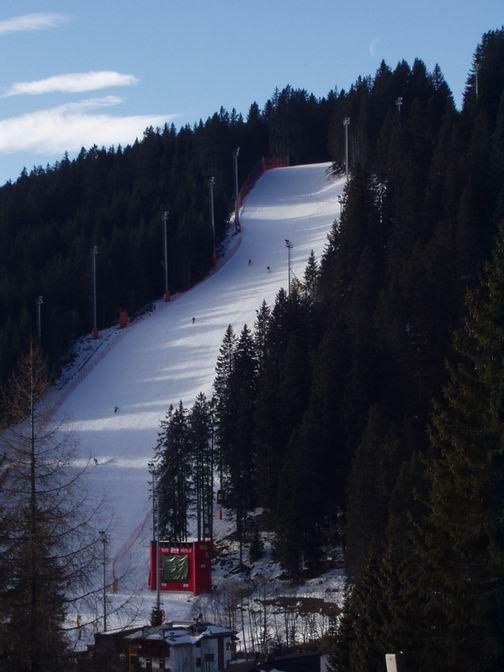 """Stadio Slalom 3-tre - slalomska utrka svjetskog kupa, """"crnjak"""" za iskusne skijaše          """"crnjak"""" za iskusne skijaše"""