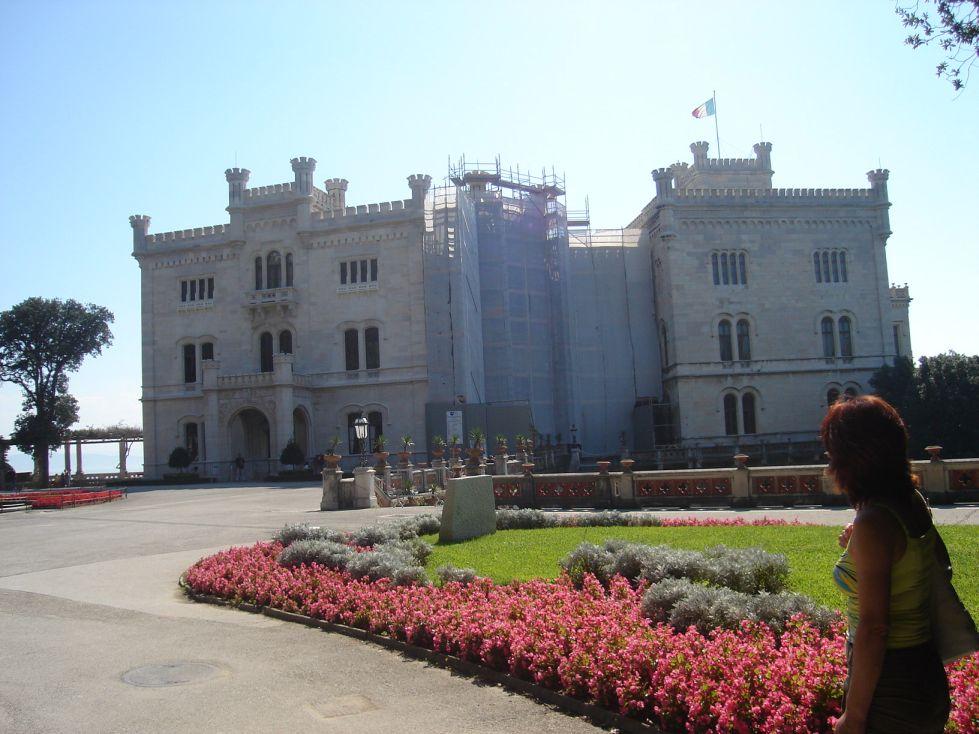 Dvorac Miramare 1