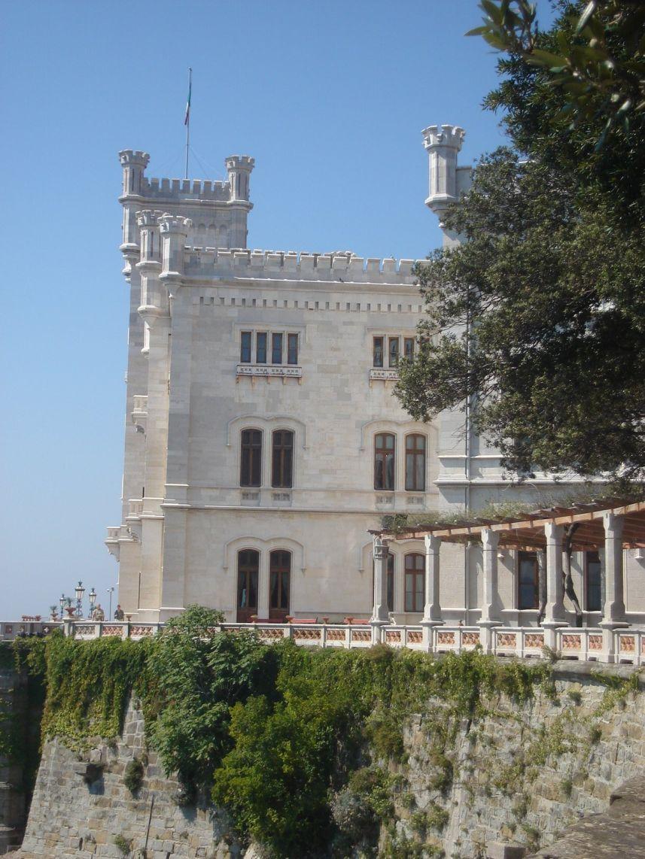 Dvorac na stijeni