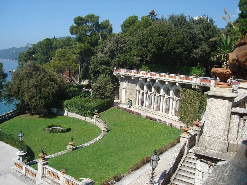 Vrtovi oko dvorca