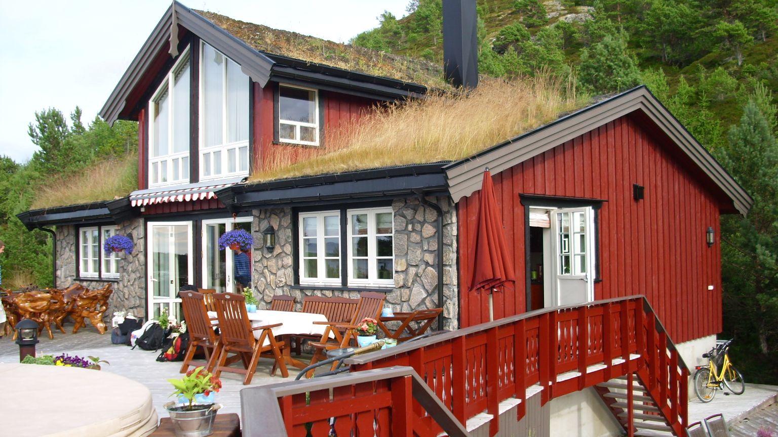 Kuća našeg domaćina-trava na krovu