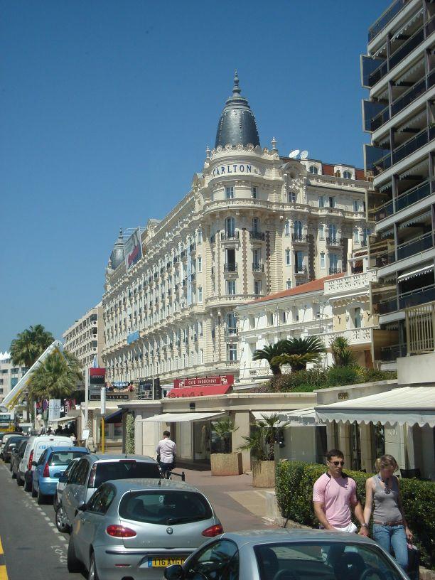 Hotel Carlton sa kupolama