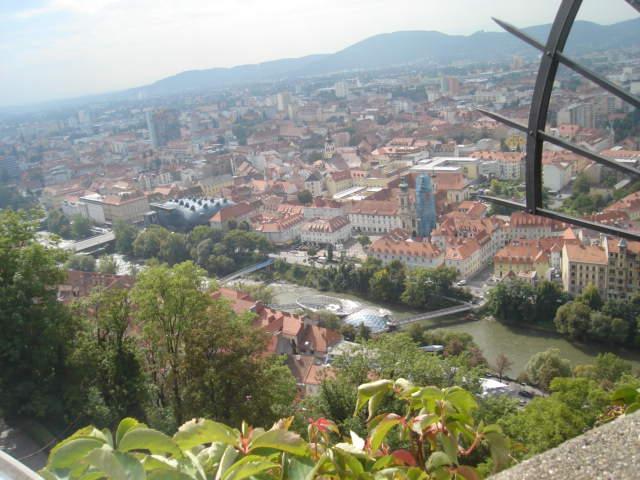 Pogled s brda na Graz