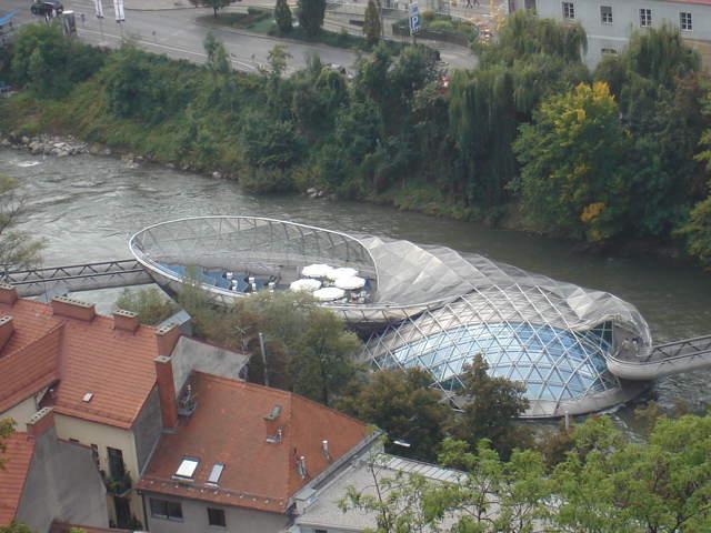 Pogled s Schlossberga na Murainsel