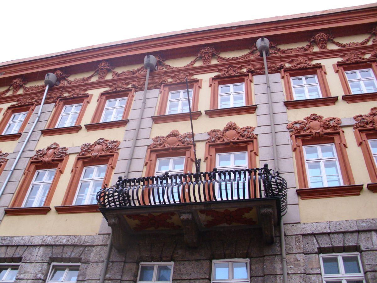 Kićena fasada