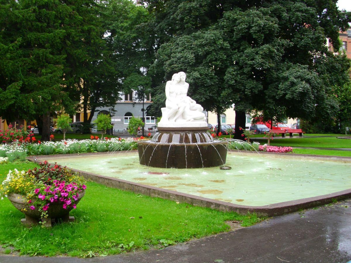 U parku