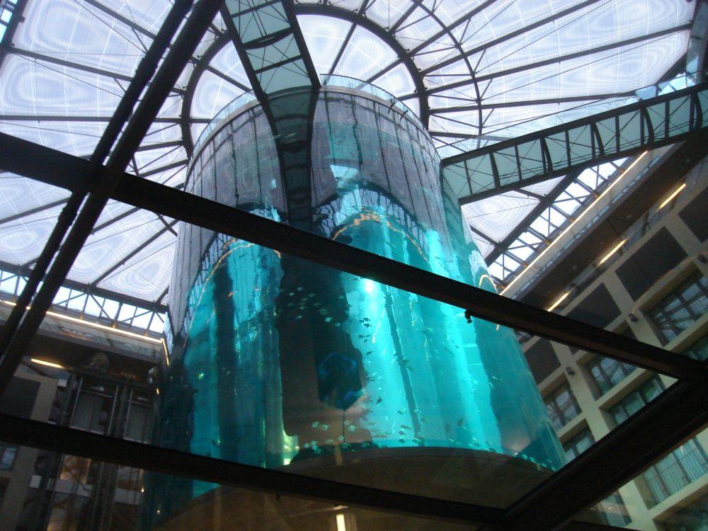 Akvarij sa liftom u hotelu Radisson SAS