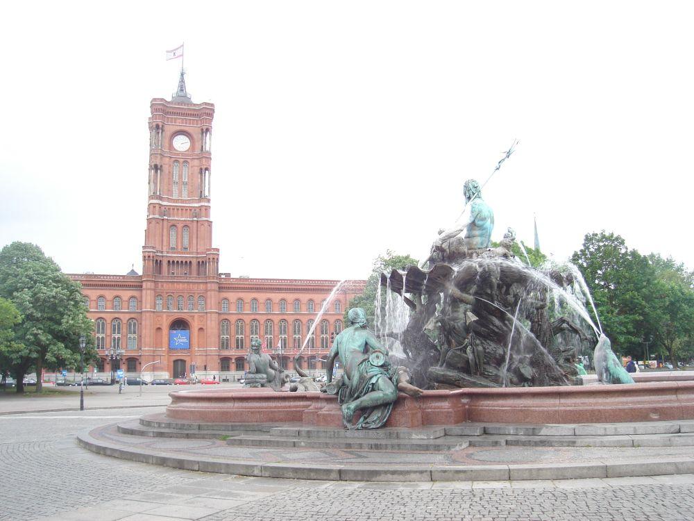 Vijećnica i Neptunova fontana