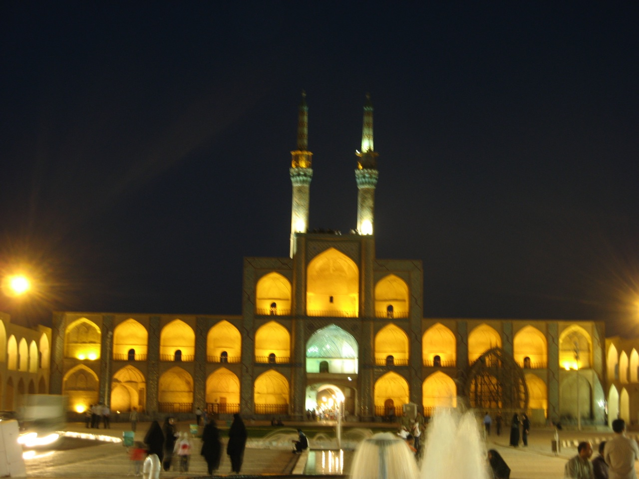 Jame džamija noću
