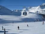 gondola i skijaši