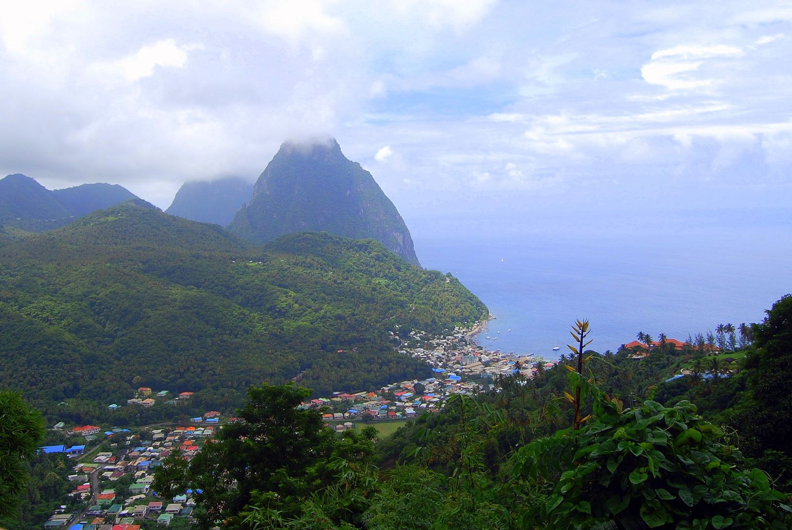 StLucia-Pitons