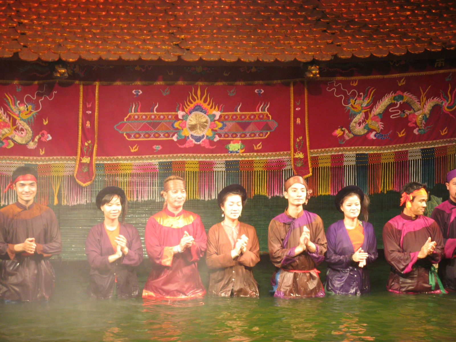 Glumci u vodenom kazalištu