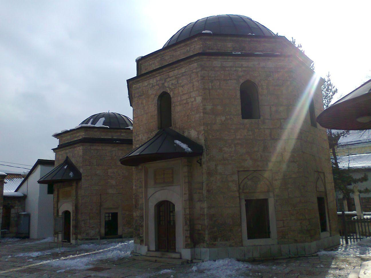 Begova džamija - zraka sunca