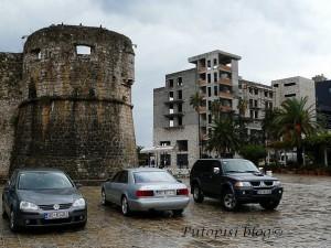 Stari grad opran kišom