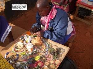 Masajka koja ima svoj štand