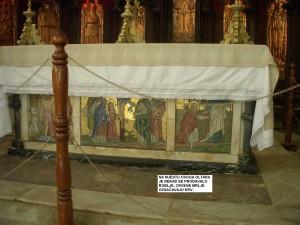 Na mjestu ovog oltara nekad se prodavalo roblje, crvene mrlje označavaju krv