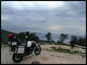 Jug Albanije  - Krim u pozadini