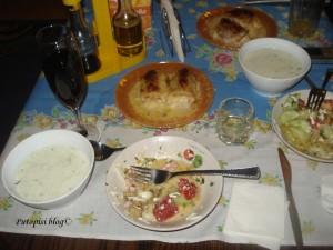 Tarator, šopska salata, Roladini i naravno domaća rakija