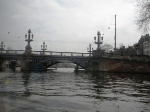 Amsterdamskim kanalima 2