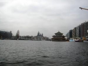 Amsterdamskim kanalima