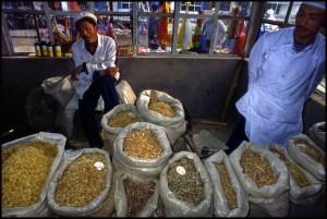 Prodaja raznih sušenih račića i ribica