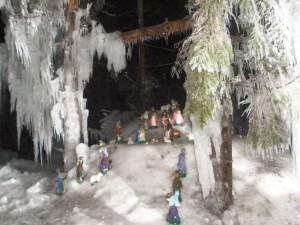 Jaslice s lutkama na snijegu