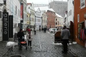 Ulice su pune muzeja, galerija, suvenirnica naravno i turista