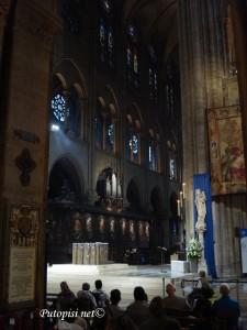 Notre Dame - unutrašnjost 2