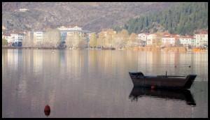 Barke na jezeru Orestiada 5