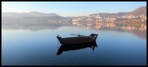 Barke na jezeru Orestiada
