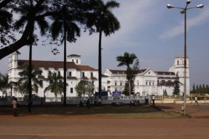 Stara Goa - crkve
