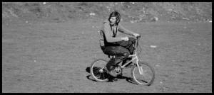 Biciklist crno bijelo