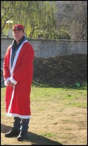 i crveni kaput je tu