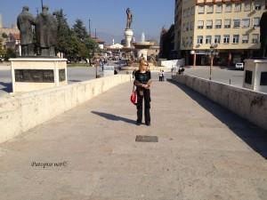 Strogi centar Skopja s morem kipova