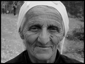 sl.18 baka crno bijela