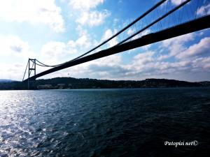 Spajajući Aziju i Europu - jedan od većih mostova na Bosporu