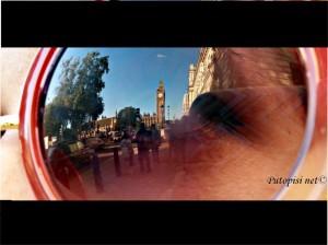 Mali odraz Velikog Bena u sućanim naočalama (da, postoji London bez kiše)