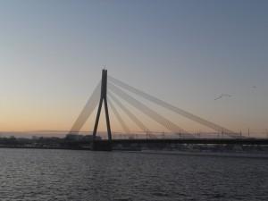 Vanšu most preko Daugave