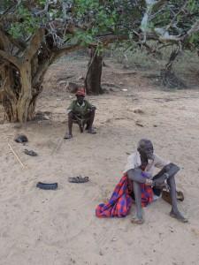 Seoske starješine za vrijeme poslijepodnevnog odmora