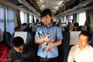 bogata ponuda artikala u vlaku