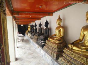 Klaustar oko Phra Ubosot-a