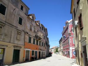 Putopis Burnum - Glavnom ulicom