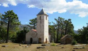 Putopis Starigrad: Crkva sv. Petra u Veči