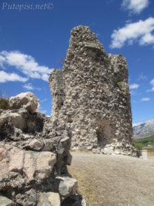 Putopis Starigrad: Pasoglav i Večka kula